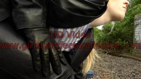 girl-leather-pants-jacket-gloves-boots