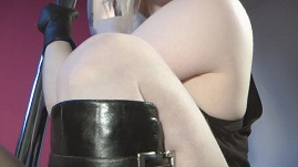 girl-overknee-leather-boots-pole-leather-gloves